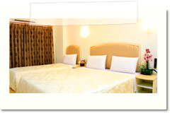 p_a_ville_hotel_room_tripple01