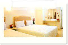 p_a_ville_hotel_room_tripple02